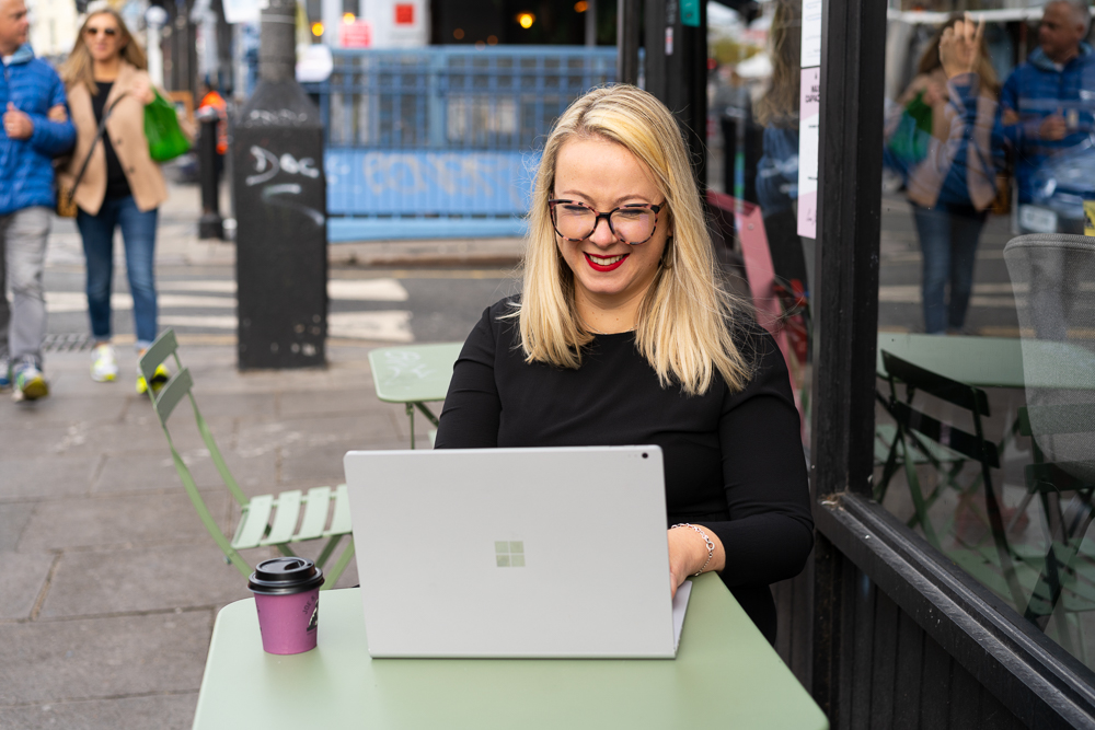 female entrepreneur working in London cafe