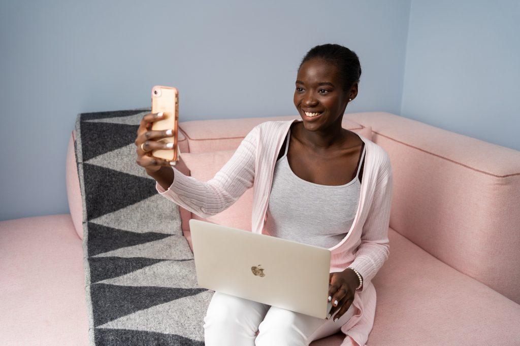 personal branding shoot for Pinterest Manager Tami Abonga